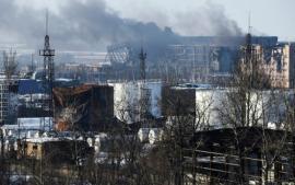 القتال يستعر مجددا في مطار دونتسك بشرق أوكرانيا ومقتل تسعة جنود