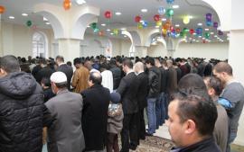 مسلمو أوكرانيا يحتفلون بعيد الأضحى المبارك 1434هـ