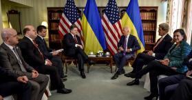 بوروشينكو يجتمع مع نائب الرئيس الأمريكي جون بايدن على هامش مؤتمر ميونخ للأمن.