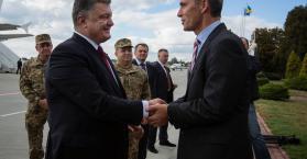 حلف شمال الأطلسي يتهم موسكو بمواصلة تسليح المتمردين في أوكرانيا رغم الهدنة