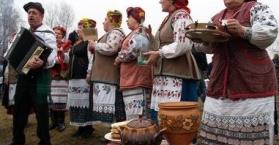 """أوكرانيا تحتفل بمهرجان """"ماسلينيتسا"""" أو """"الفطيرة"""" ترحيبا بفصل الربيع"""