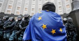 نائب روسي: هدف الاحتجاجات في أوكرانيا هو جلب المعارضة الموالية للغرب إلى السلطة