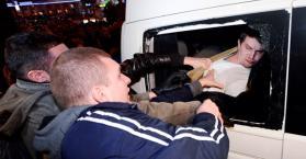 يانوكوفيتش يبرر، وتيموشينكو تضرب عن الطعام، والشرطة تشتبك مع محتجين