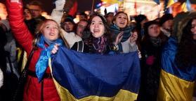 """بث مباشر من احتجاجات """"الميدان الأوروبي"""" في وسط العاصمة كييف"""