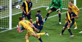 منتخب أوكرانيا يبدأ تحقيق الحلم بفوز ثمين على منتخب السويد