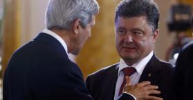 كيري  إلى كييف  لبحث أزمة أوكرانيا