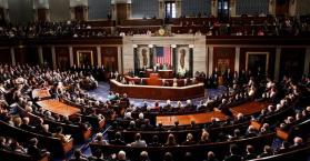 مجلس النواب الأمريكي يحث أوباما على إرسال أسلحة قتالية إلى أوكرانيا