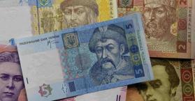 الاقتصاد الأوكراني يدخل النفق المظلم ومزيد من إنهيار العملة