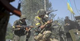 جنود أوكران يخوضون معارك عنيفة شرق البلاد