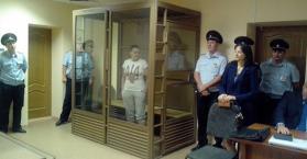 محكمة روسية تمدد اعتقال الطيارة ناديجدا سافتشينكو وأوكرانيا تحتج