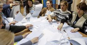 نتائج فرز نصف أصوات الناخبين في الانتخابات البرلمانية وكتلة بوروشينكو وياتسينيوك في الصدارة