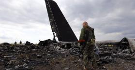 حطام الطائرة الماليزية في شرق اوكرانيا