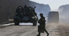 """إشتداد التوتر قرب ماريوبول """"المرفأ الاستراتيجي"""" في شرق أوكرانيا"""