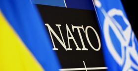 """بوروشينكو يصادق على برنامج للتعاون بين أوكرانيا وحلف """"الناتو"""""""