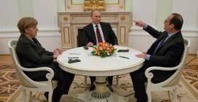بوتين وميركل وأولوند يبدأون محادثات بشأن أوكرانيا في الكرملين