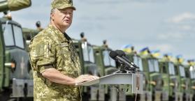 بوروشينكو يُعدد ثلاثة سيناريوهات لتطور الأحداث في منطقة الدونباس، تعرف عليها..