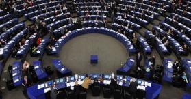 البرلمان الأوروبي يدعو روسيا إلى إطلاق سراح المعتقلين الأوكرانيين