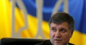 وزير الداخلية الأوكرانية يدافع عن حق العمل باللغة الروسية