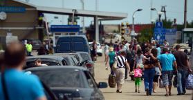 عدد النازحين بسبب الحرب يقترب من سقف المليون في أوكرانيا