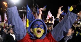 """الشرطة تفض بالقوة اعتصام """"الميدان الأوروبي"""" في العاصمة كييف"""