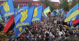 """حزب """"سفوبودا"""" يلمح """"بالثورة"""" لتحقيق العدالة الوطنية والاجتماعية (فيديو)"""