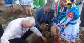 """احتفالا بالاستقلال.. زرع أشجار في """"حديقة الصداقة الأوكرانية الأردنية"""" بعمان"""