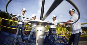 """أوكرانيا توقع اتفاقية لاستخراج واقتسام الغاز الصخري مع شركة """"شيفرون"""" الأمريكية"""