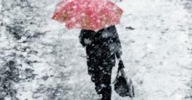 تحذير من عاصفة وارتفاع أعداد وفيات وإصابات البرد في أوكرانيا