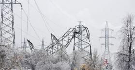 سوء الأحوال الجوية يقطع التيار الكهربائي عن 70 ألف نسمة في جنوب أوكرانيا