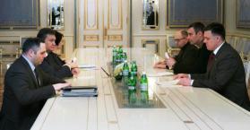 """معارضة أوكرانيا والطريق إلى أوروبا عبر """"الحكم المطلق"""""""