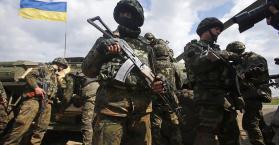 بوروشينكو يحذر من تجدد الحرب بعد مقتل جنود أوكرانيين
