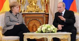 ميركل تعتزم إجراء مباحثات مع بوتين حول علاقات أوكرانيا مع الاتحاد الأوروبي
