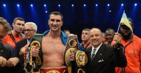 """الأوكراني كليتشكو يسعى للمحافظة على عرش الملاكمة أمام """"ملك الغجر"""""""