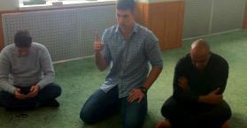 بطل العام في رياضة الملاكمة التايلندية يعتنق الإسلام في أوكرانيا