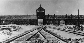 معسكر اوشفيتز النازي