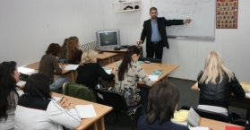 مدارس اللغة العربية الأسبوعية في أوكرانيا.. تعريف بالإسلام وملاذ حصانة للهوية