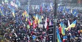 تظاهرات حاشدة في أوكرانيا ضد قرار تجميد الشراكة مع أوروبا