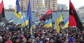 آزاروف يحذر المحتجين، والغرب يدين، وروسيا تتجه لإعادة التعاون مع أوكرانيا