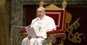 بابا الفاتيكان يدعو إلى السلام في أوكرانيا