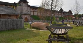 """""""كييف روس"""".. متنزه أوكراني يضم التاريخ ويحكي السياسة"""