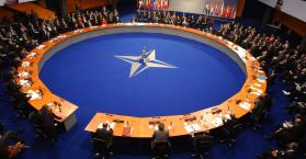 الناتو يحذر من هجمات جديدة للانفصاليين في شرق أوكرانيا