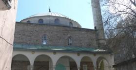 جامع المفتي في القرم.. حيث يتعاقب الزمان ويبقى المكان لتوحيد الديان