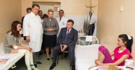 يانوكوفيتش يزور مصابي التفجيرات و250 ألف دولار لمن يقدم معلومات عنها