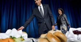 """رئيس البرلمان الأوكراني يمنع نوابا من السفر لحضور """"طعام الإفطار"""" مع الرئيس الأمريكي"""