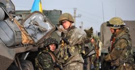 مقتل جندي أوكراني وجرح أربعة آخرين في مناطق النزاع شرق البلاد