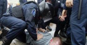 """العفو الدولية تدعو إلى التحقيق في """"التعذيب والضرب الذي تمارسه الشرطة الأوكرانية"""""""
