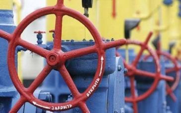 أوكرانيا تقلص وارداتها من الغاز الروسي إلى النصف خلال العام 2013 المقبل