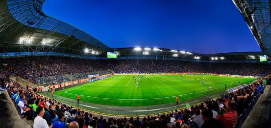 الاتحاد الأوروبي لكرة القدم يسمح لدنيبرو الأوكراني بخوض المنافسات القارية على أرضه