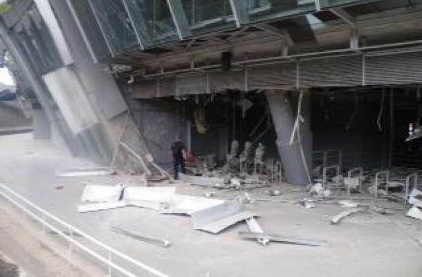 أثار الدمار التي تعرض لها ملعب دونباس أرينا