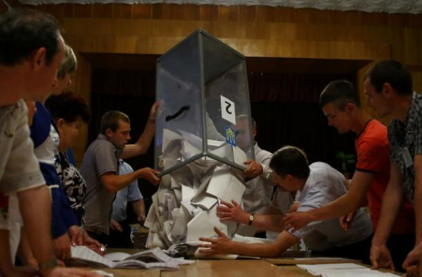 نتائج الفرزالأولية للانتخابات الرئاسية الأوكرانية تظهر فوز بوروشينكو من الجولة الأولى